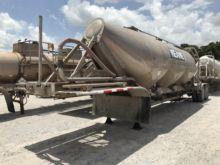 Used Pneumatic Dry Bulk Trailers for sale  Fruehauf equipment & more