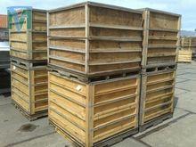 Wooden folding crates