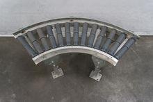 300 mm 90° curved roller convey