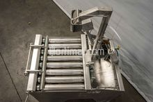 bucket filling machine