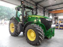 2011 John Deere 7215 R