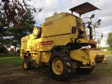 1981 New Holland 8050 Combine h