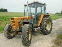 1984 Renault 551.4 Farm Tractor