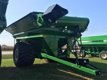 J & M 1131-22S-LW-G Grain Cart