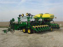 2011 John Deere DB44 Planter