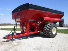 2013 Brent 1282 Grain Cart