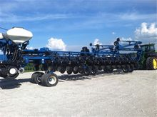 2008 Kinze 3800, 36 Row Planter