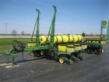 1989 John Deere 7200 Planter
