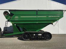 2010 J & M 1151-22T Grain Cart