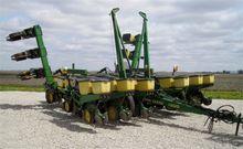1990 John Deere 7200 Planter