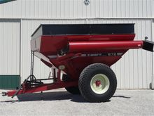 1998 Brent 672 Grain Cart