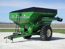 2000 Unverferth 7200 Grain Cart