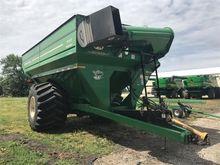 2010 J & M 1151-22S Grain Cart