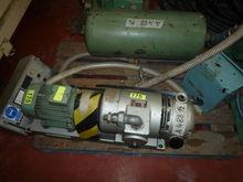 Used 1984 vacuum pum