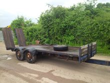 TANDEM AXLE FLAT TRAILER WITH R