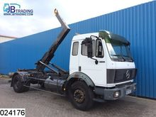 1993 Mercedes-Benz 1722 Hook, H