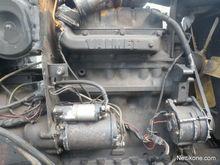 Valmet 705 605 Extracting parts
