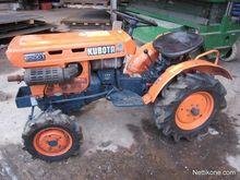 Kubota B5001 mini tractor