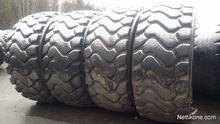 2012 Volvo wheel loader tires