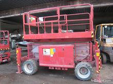 Mec diesel-powered lift