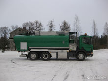 2003 Scania P124
