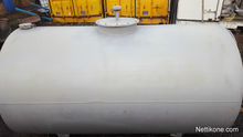 APPROXIMATELY 2000L TANK