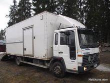 1999 Volvo FL608 Horse trailer