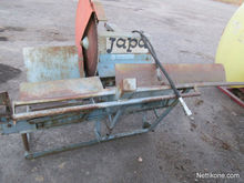 Japa with hydraulic blade