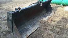 opening the bottom of the bucke