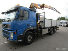 2004 Volvo FM 6x2 on freight