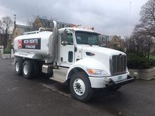 2015 Peterbilt 348 Truck