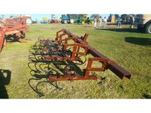 4 ROW CULTIVATOR 4 RY TUSSENRY