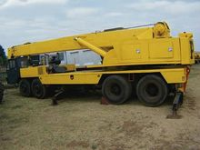 P AND H 30 TON Mobile Crane