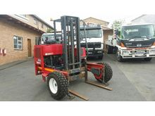 2009 MOFFET M9 3 TON ALL TERRAI