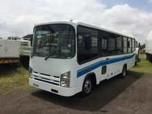 2004 ISUZU NQR500 35 SEATER BUS