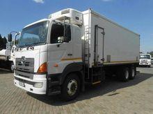 Used 2005 HINO 700 S