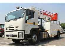 2015 ISUZU FVR900 CHERRY PICKER