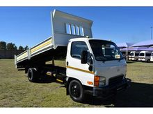 2011 HYUNDAI HD 72 TIPPER