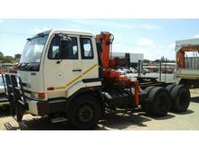 Nissan UD 350 with crane