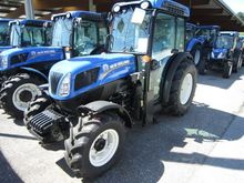 New Holland T4.85N Fruit and wi