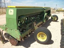Used JOHN DEERE 520