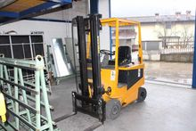 ROBUSTUS SE20 Electric Forklift