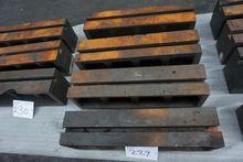 Machine Cubes 2577A 229