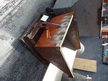 Mobile Forklift Tipping Skip 25
