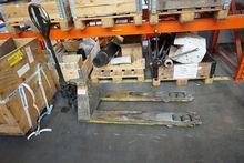 Pallet Truck 2593A 208