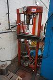 15 Tons Garage Press 2605 164