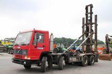 Volvo FL10 hook lift