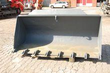 2009 Earth bucket - 2.450mm - l
