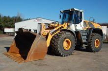 2011 Liebherr l 566 wheel loade