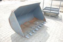 2005 Earth bucket - 1.700mm - p